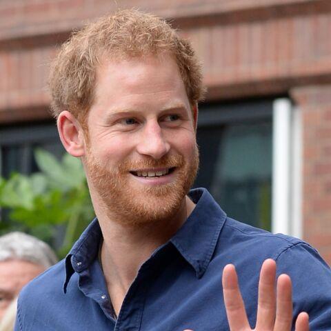 """Le prince Harry """"très amoureux"""" de Meghan Markle selon son ex-majordome qui donne des précisions"""