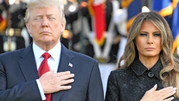 VIDEO – Melania Trump… la seule qui rit (jaune) aux mauvaises blagues de son mari