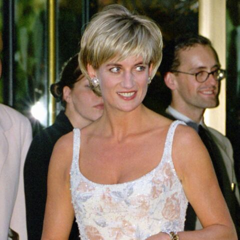 PHOTOS – Lady Diana : 10 robes iconiques de la princesse de Galles dont il faut s'inspirer