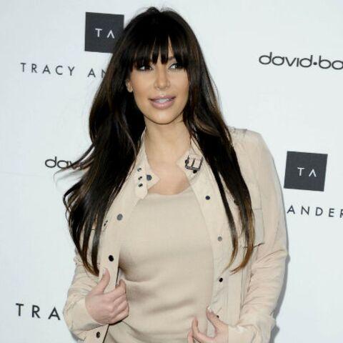 Kim Kardashian montre son ventre sur Twitter