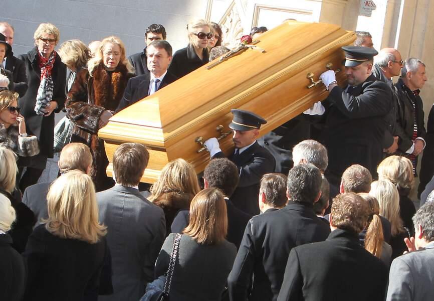 Le cercueil de Michel Pastor sort de l'église Saint-Charles à Monte-Carlo