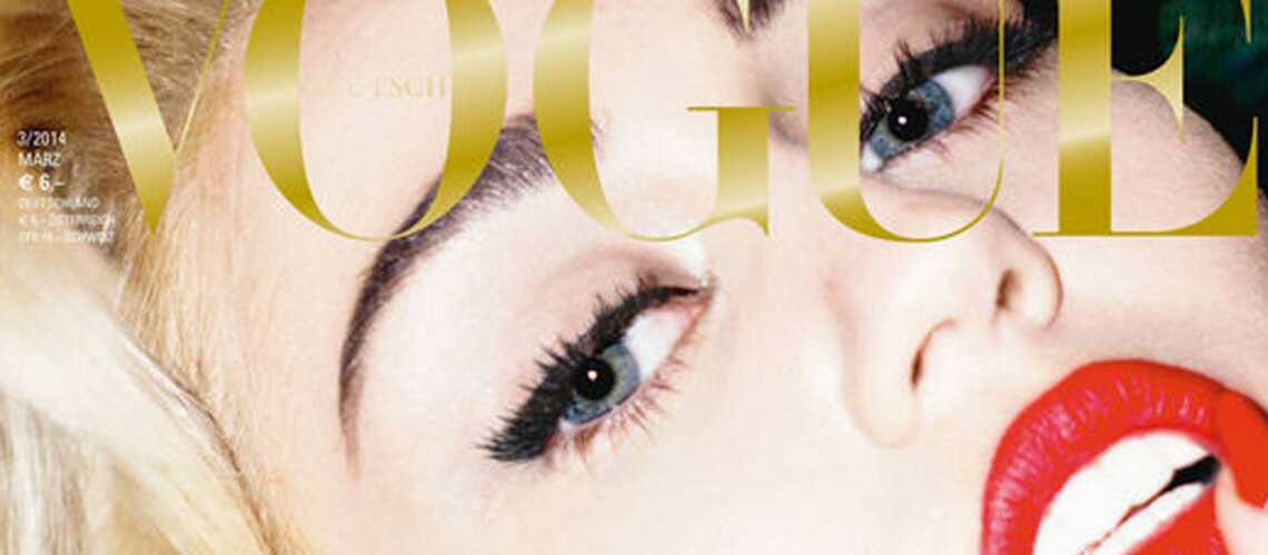 Miley Cyrustopless pour le Vogue Allemand