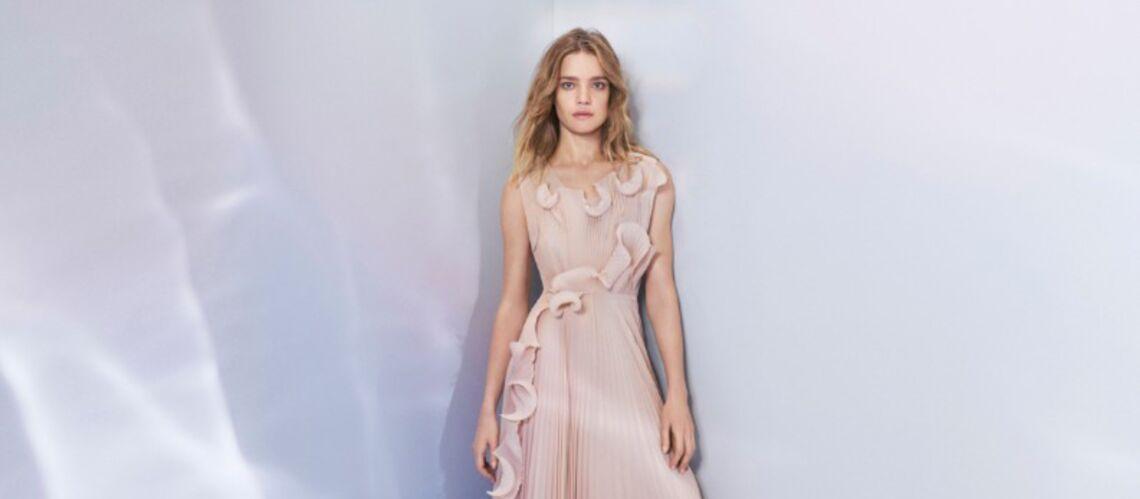 VIDÉO – Natalia Vodianova, égérie H&M, pose dans une robe faite en plastique recyclé