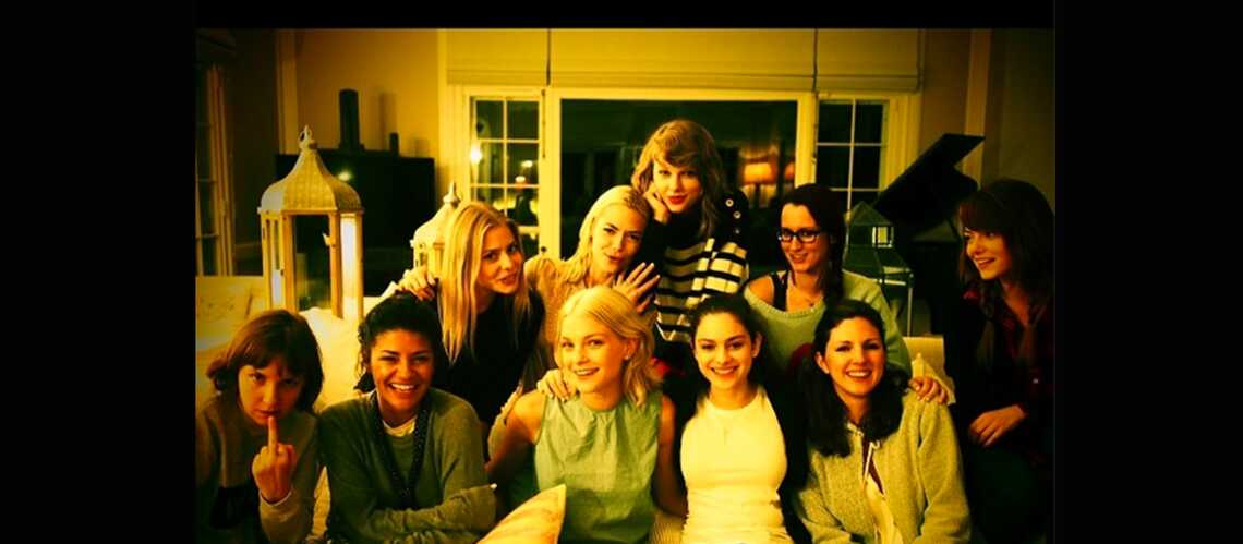 Taylor Swift s'amuse avec Emma Stone et Lena Dunham