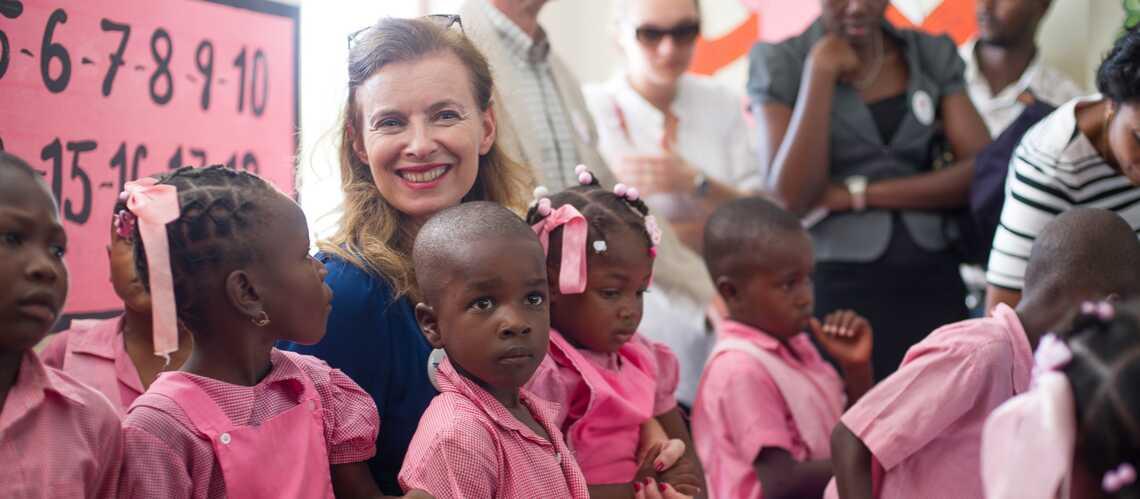 Photos – Valérie Trierweiler, libre en Haïti