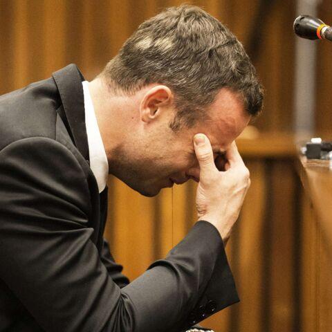 Oscar Pistorius en pleurs à son procès