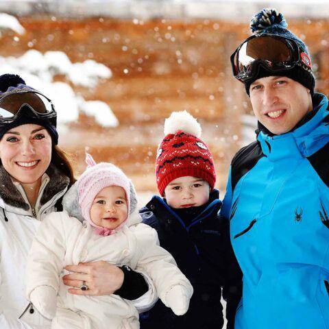 Photos – Baby George et princesse Charlotte découvrent la neige