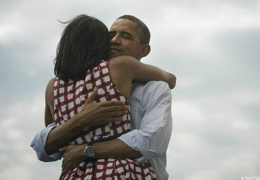 Barack twitte immédiatement une photo de lui et son épouse le soir de sa réélection, le 6 novembre 2012