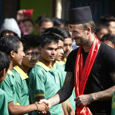 David Beckham tape le ballon au Népal pour la bonne cause
