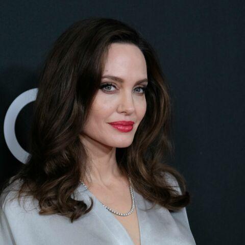 PHOTOS – Angelina Jolie radieuse, en Jenny Packham, la créatrice chouchoute de Kate Middleton