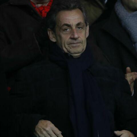 Pour Nicolas Sarkozy le foot c'est sacré, il ne parle à personne pendant un match, même pas à sa femme Carla!