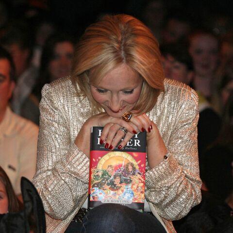 J.K. Rowling réconforte la survivante d'un massacre