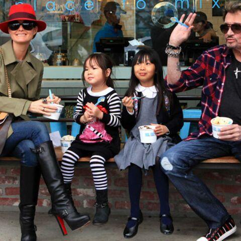 Johnny Hallyday se rafraîchit en famille