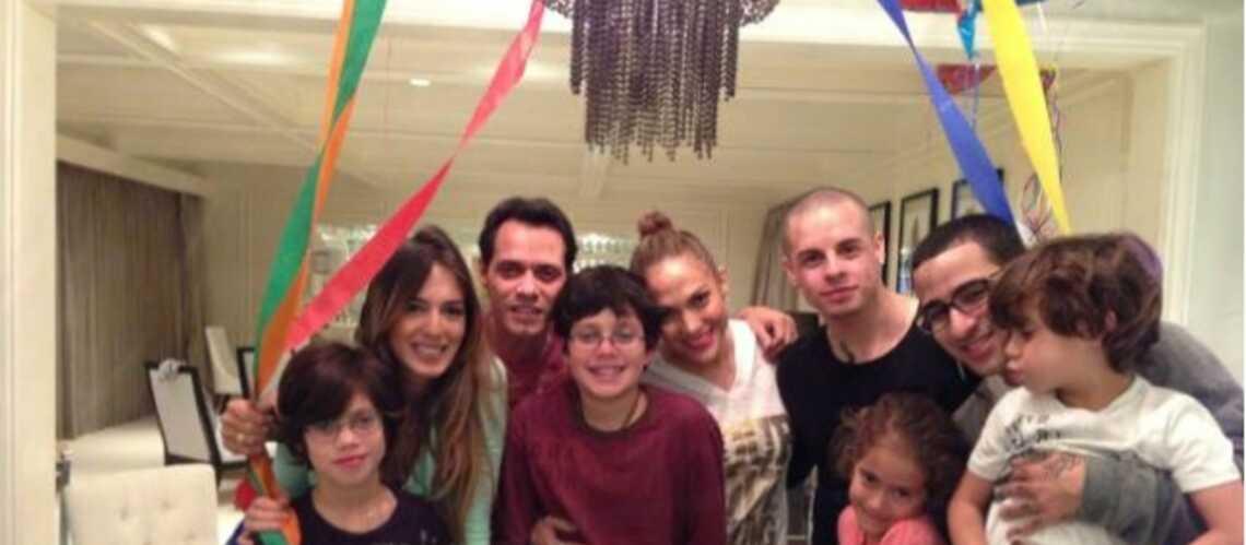 Jennifer Lopez: photo de famille avec son ex