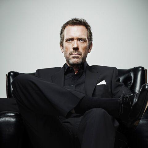 Hugh Laurie renfile sa blouse