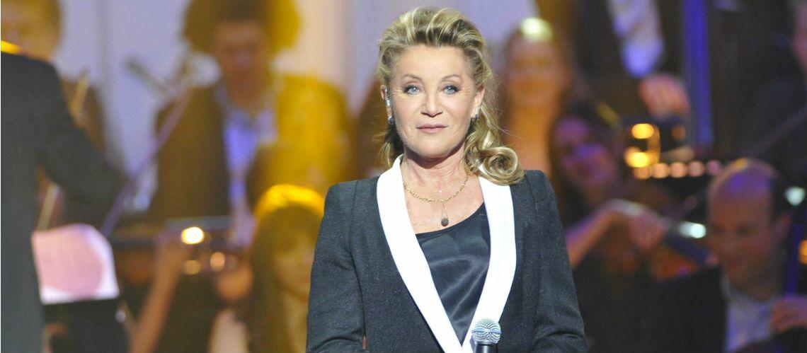 Sheila:  La chanteuse est restée deux jours au chevet de son fils mourant