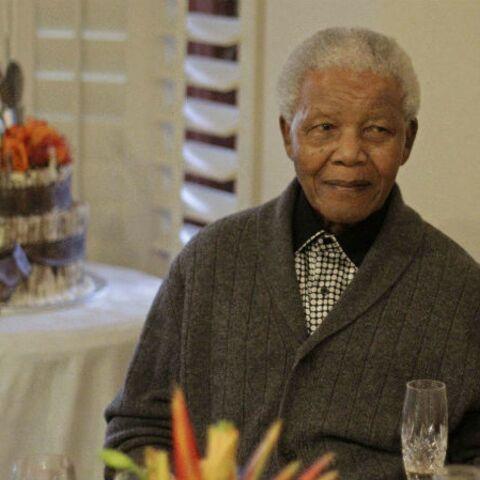Nelson Mandela: son épouse à son chevet