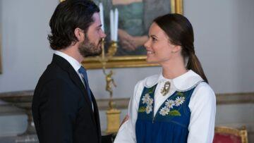 Sofia Hellqvist découvre le folklore royal