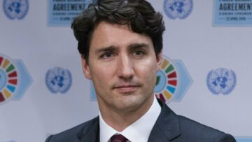 Orlando: les internautes piégés par le (faux) baiser de Justin Trudeau