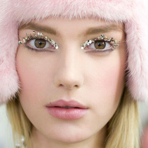 Tendance beauté des défilés – Regard glitter chez Chanel