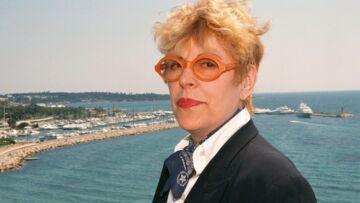 Michèle Laroque, Valérie Lemercier, Muriel Robin rejouent les sketchs de Sylvie Joly