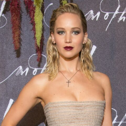 PHOTOS – Jennifer Lawrence, maquillage très sophistiqué et robe haute-couture  à Paris