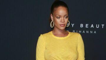 PHOTOS – Rihanna époustouflante jaune poussin pour lancer sa marque