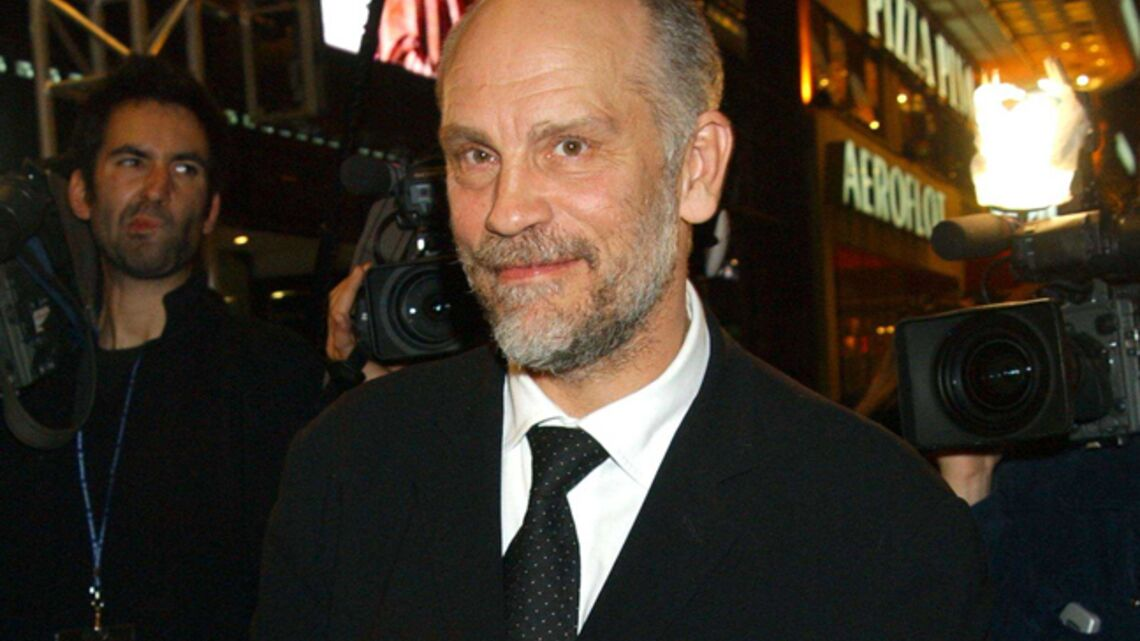 Gala by night : John Malkovich ouvre son concept store parisien