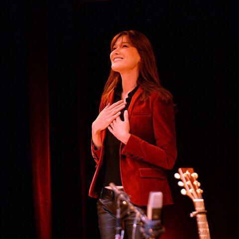 Carla Bruni: «Je travaille à mes chansons la nuit, lorsque tout le monde dort»