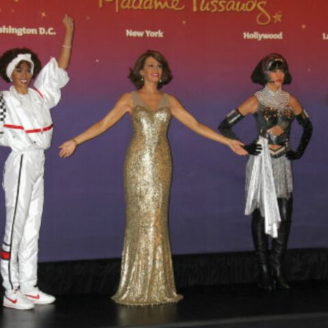 Quatre statues de cire à la mémoire de Whitney Houston