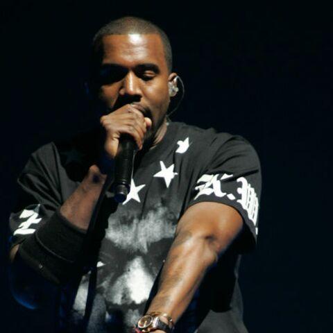 Kanye West n'assume pas le port de la jupe