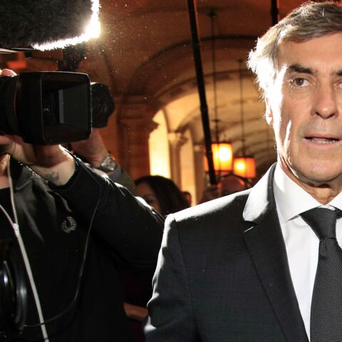 Jerôme Cahuzac: sa baffe à un photographe n'en était pas une!