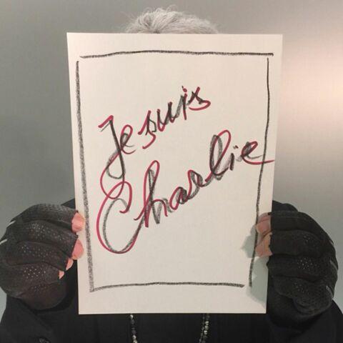 Karl Lagerfeld, Inès de la Fressange, tous derrière Charlie Hebdo