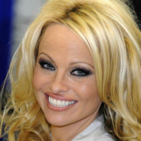 PHOTOS – Découvrez le nouveau visage de Pamela Anderson