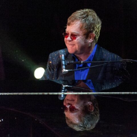 Elton John contraint d'annuler sa tournée d'été