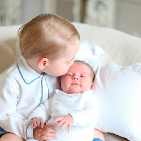 Baby George cède sa robe de baptême à sa soeur