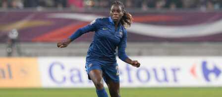 Grieg Mbock Le Drole De Symbole Du Football Feminin Gala