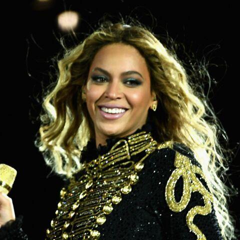 PHOTOS – Beyoncé enceinte: son ventre pousse à vue d'œil!