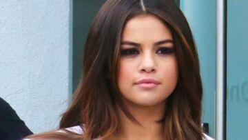 PHOTOS – Le sideboob (très) osé de Selena Gomez