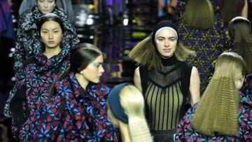 Beauté des défilés: La chevelure gaufrée d'Issey Miyake