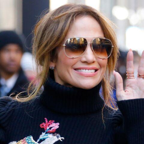 PHOTO – Jennifer Lopez: ultra sexy dans une robe fendue pour son nouveau single