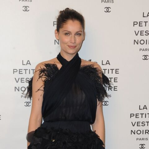 Photos – Laetitia Casta, Charlotte Casiraghi honorent la petite veste noire