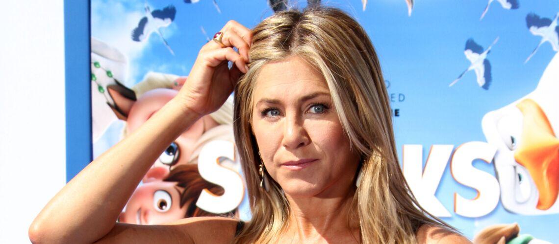 """Jennifer Aniston confie s'être sentie """"humiliée"""" lors de son divorce avec Brad Pitt"""