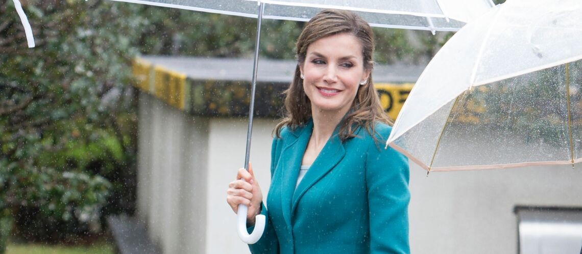 PHOTOS – Letizia d'Espagne: élégante en tailleur bleu pour une visite officielle au Japon