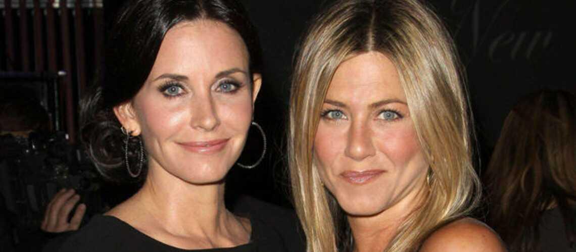 Jennifer Aniston, délaissée par Courteney Cox?