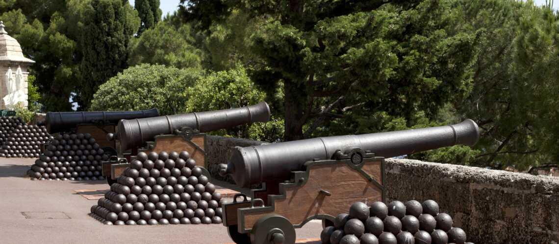 Monaco: 42 coups de canon ont célébré la naissance de Gabriella et Jacques