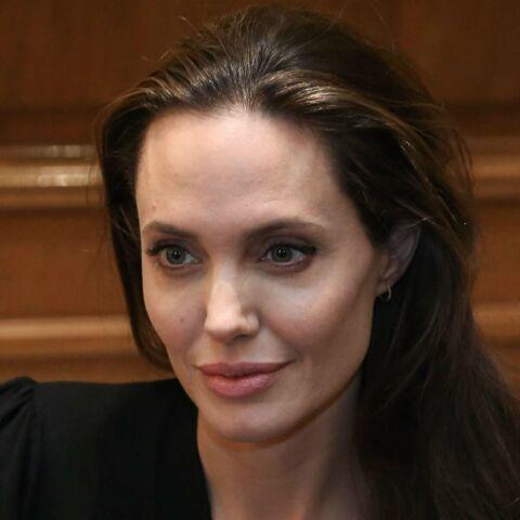 PHOTOS – Première apparition officielle d'Angelina Jolie depuis le divorce… sans alliance