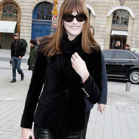 Carla Bruni, Paris Hilton, Rita Ora, Olivia Palermo: le pantalon en cuir noir, un must have