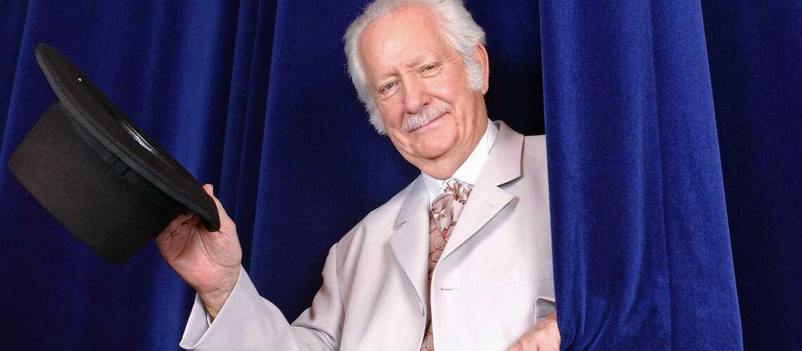 Pierre Bellemare hospitalisé après être tombé de son lit