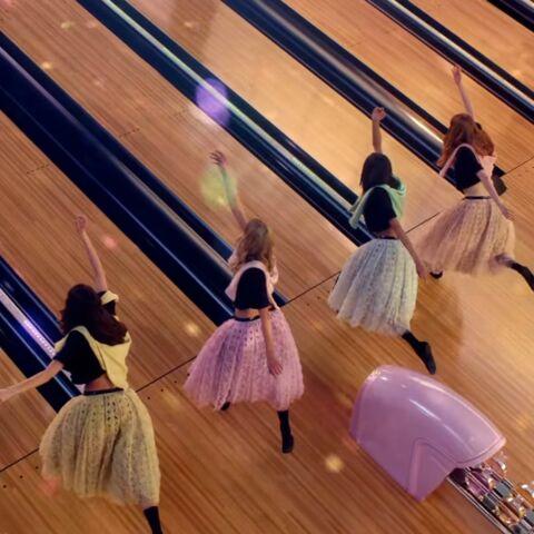 Jean-Paul Goude au bowling avec Chanel